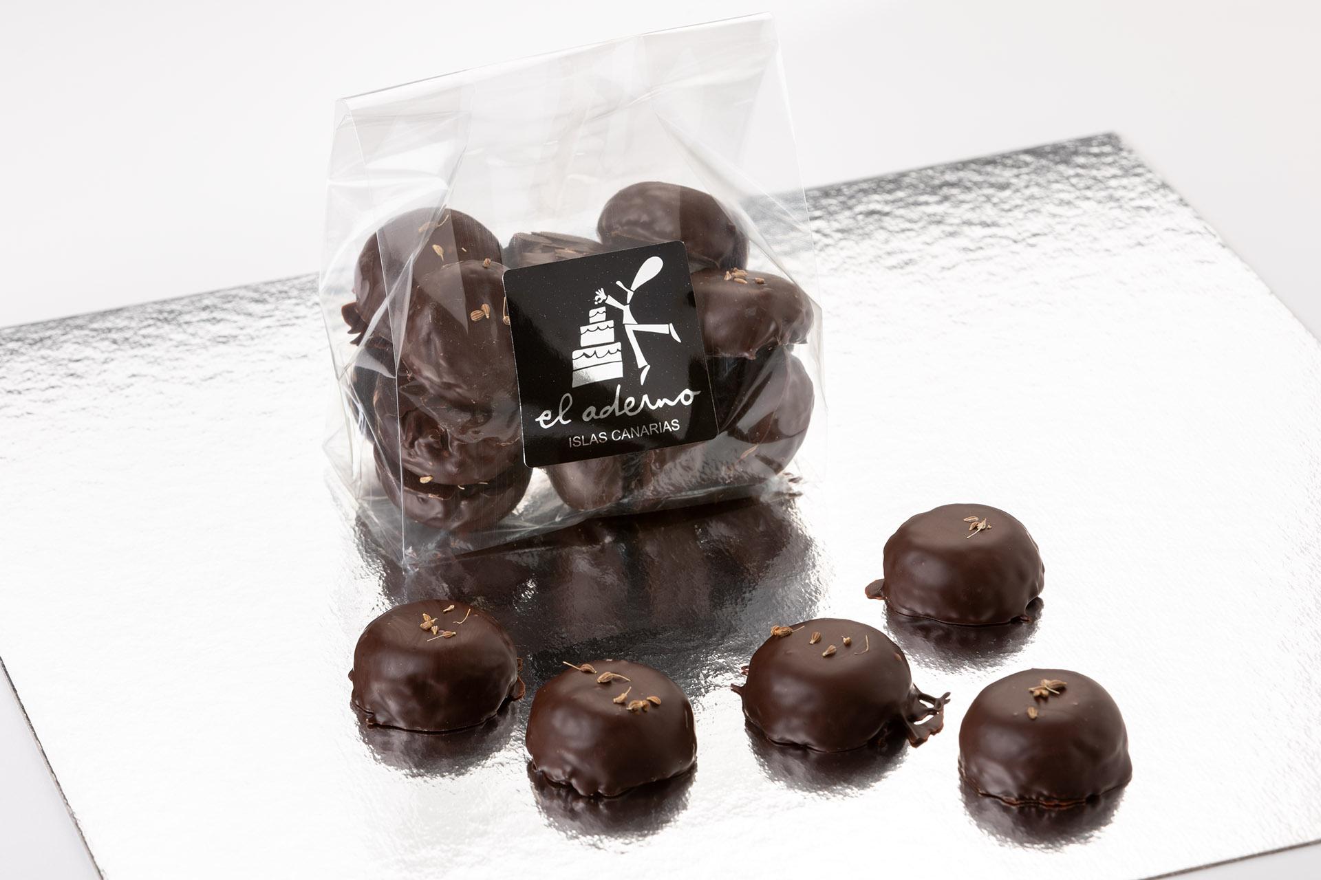 marianitos de feuilletine con chocolate negro
