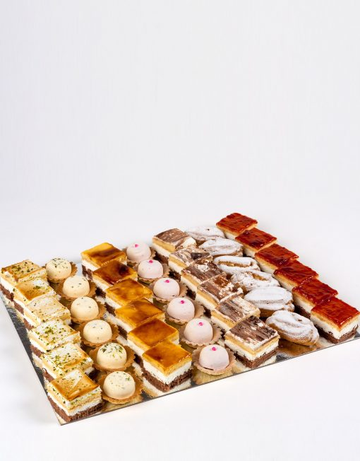 bocaditos en cajas, pasteles mini para fiestas y celebraciones