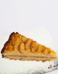 tarta de manzana en porciones