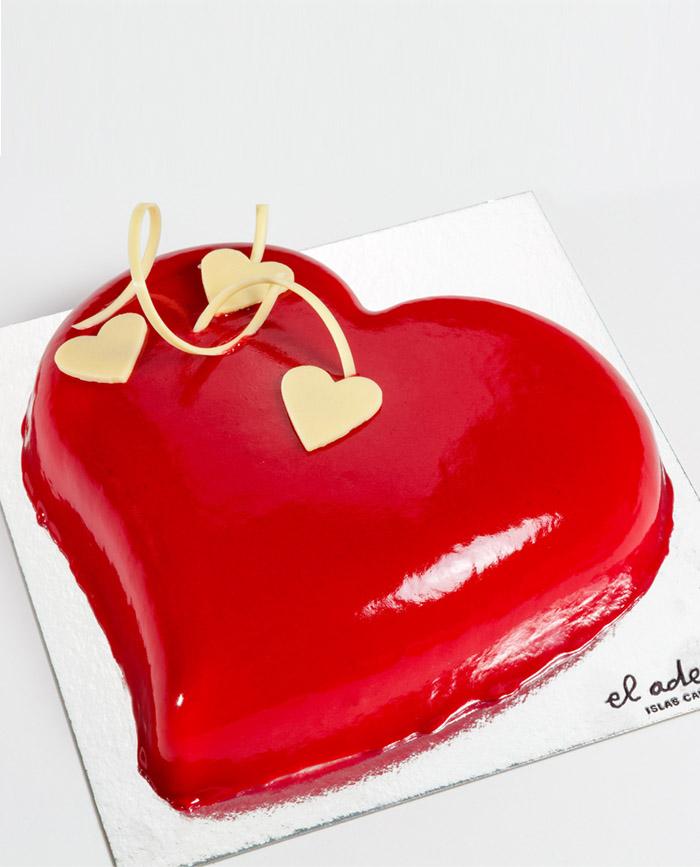 Tarta mousse de vainilla y frambuesa, especial San Valentín