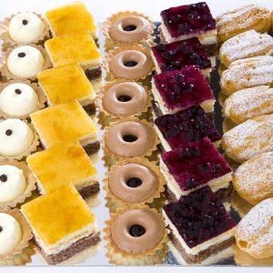 variado de dulces de celebraciones