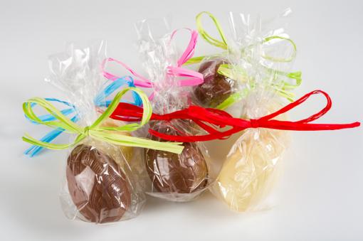 Huevo pequeño de chocolate para Pascua