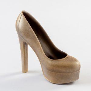 zapato plataforma de chocolate para regalar el día de la madre