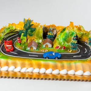 tarta infantil con decoración Cars