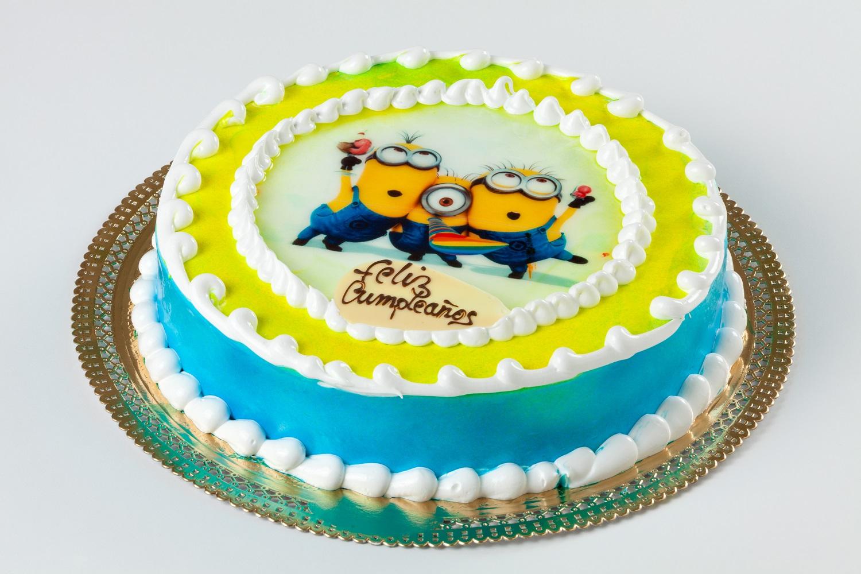 tarta infantil con oblea Minions