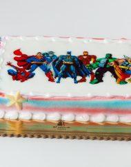 tarta infantil con oblea superhéroes