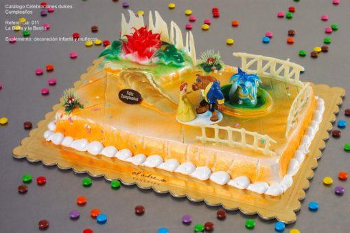 tarta infantil con decoración La Bella Bestia