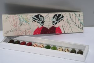 12 bombones caja de autor Adassa Santana